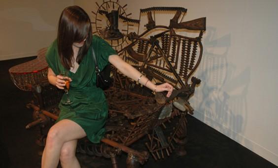 httpwww.google.co.ukimgresq=Goncalo+Mabunda&hl=hu&sa=X&biw=1280&bih=649&tbm=isch&prmd=imvns&tbnid=UK5rY9bD4R0NEM&imgrefurl=http3rings.designerpages.com20081204live-at-design-miami-goncalo-mabundas-weapons-chairs&docid=61Ak
