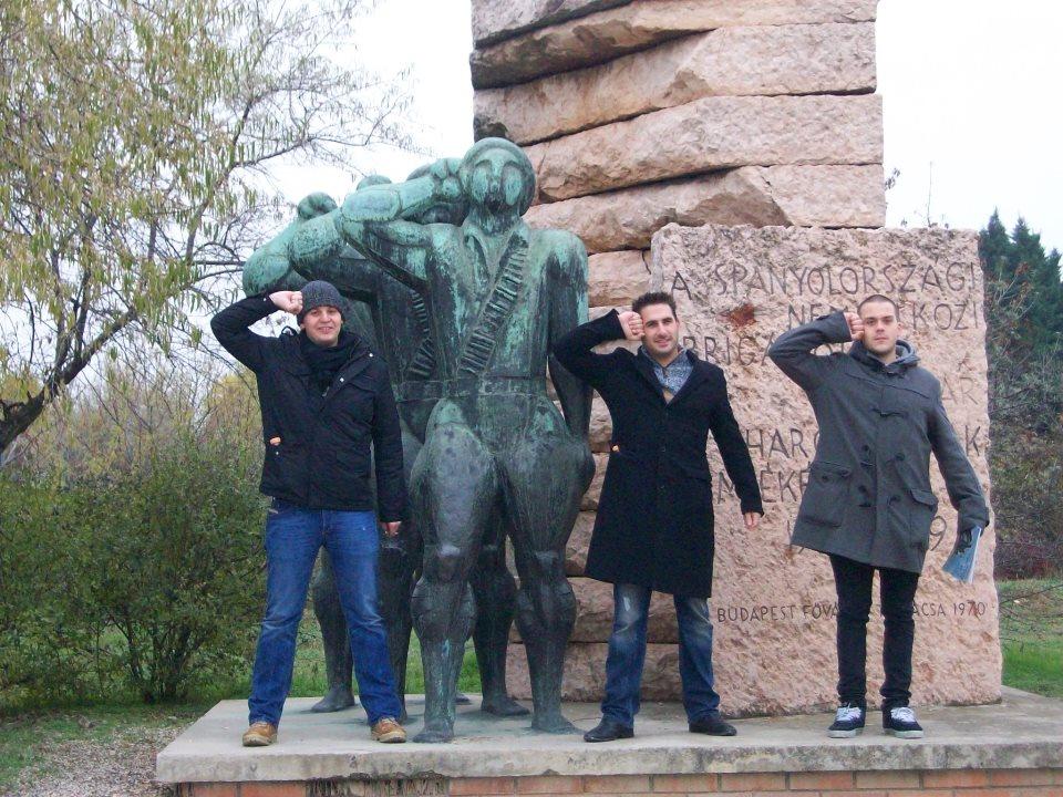 boys statue
