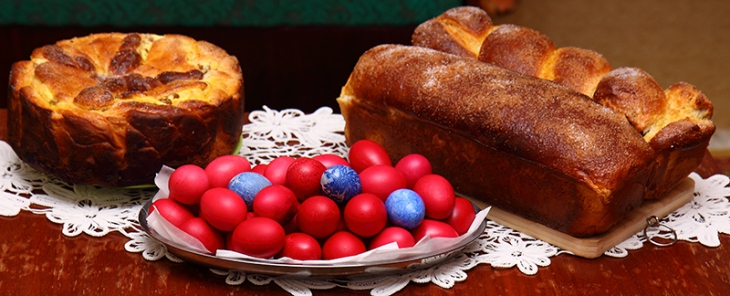 824_Moldovan_easter_cake_with_eggs-730x296