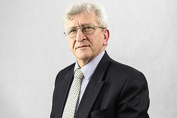 László Frenyó, Dean