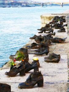 Shoe monument